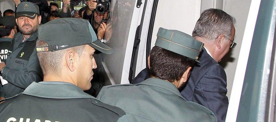 La juez Mercedes Alaya dicta prisión sin fianza para el exconsejero andaluz.