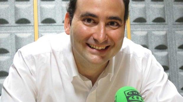 Javier Ábrego, presentador de Internet en la onda