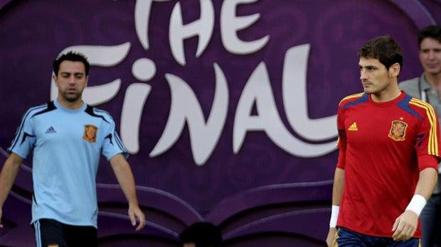 Casillas y Xavi, en un entrenamiento.