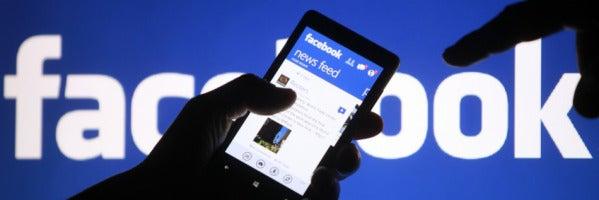 Mesa de Redacción: ¿Un médico debe aceptar una solicitud de amistad de Facebook de una paciente?