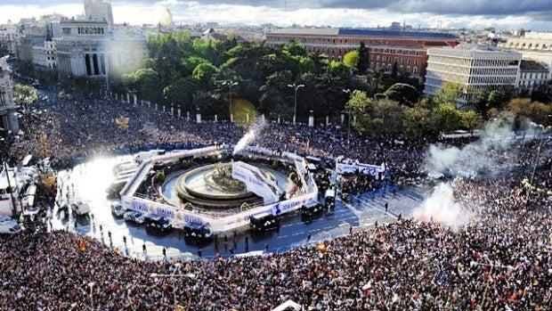 La Cibeles desde el aire tras un título del Real Madrid