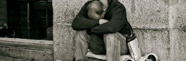 La Brújula de la economía: La pobreza en España y las 'puertas giratorias'