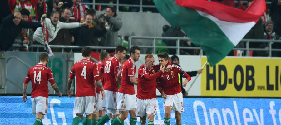 Los jugadores de Hungría celebran el pase a la Eurocopa