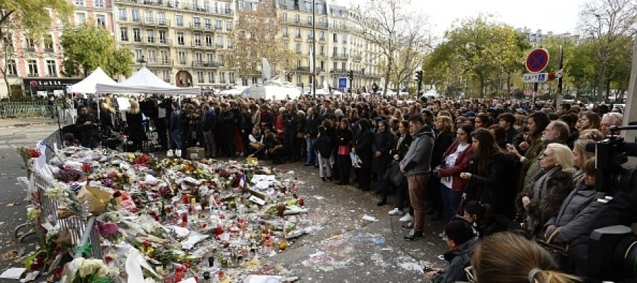 Minuto de silencio en París