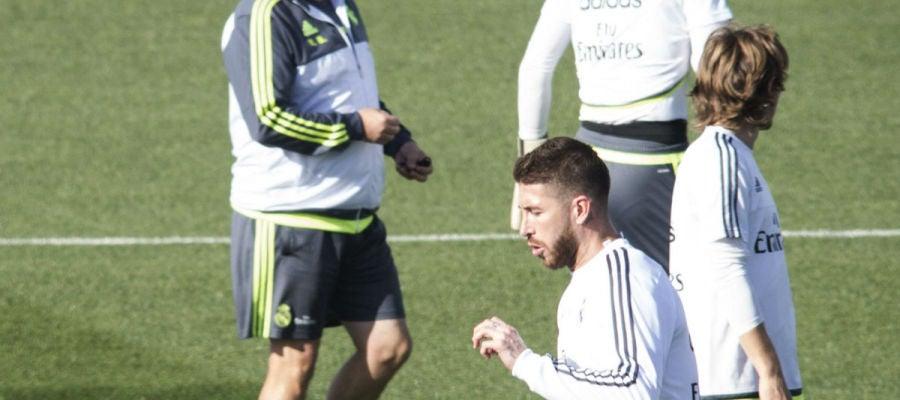 Sergio Ramos, en el entrenamiento en Valdebebas