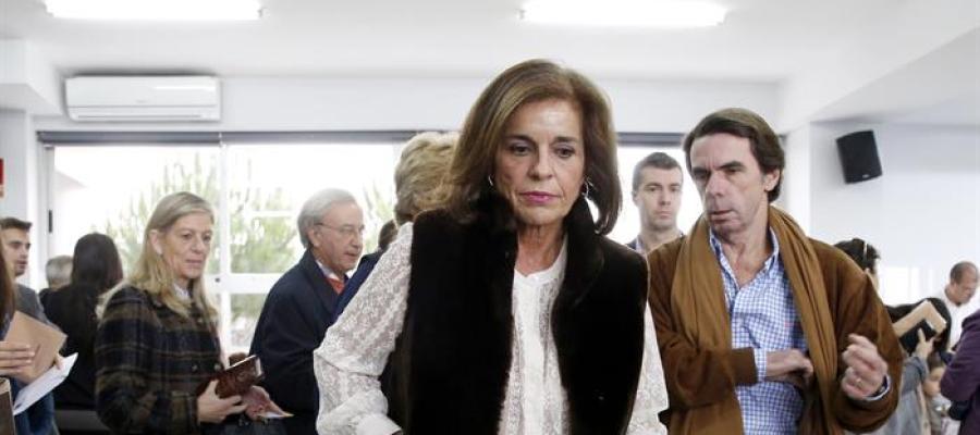 José María Aznar y Ana Botella acuden a votar