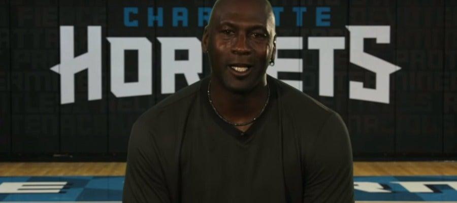 Michael Jordan, durante un vídeo de los Hornets