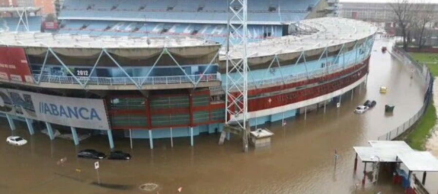 El estadio de Balaídos inundado por el temporal.