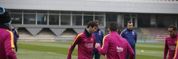 Leo Messi entrena con el resto de sus compañeros