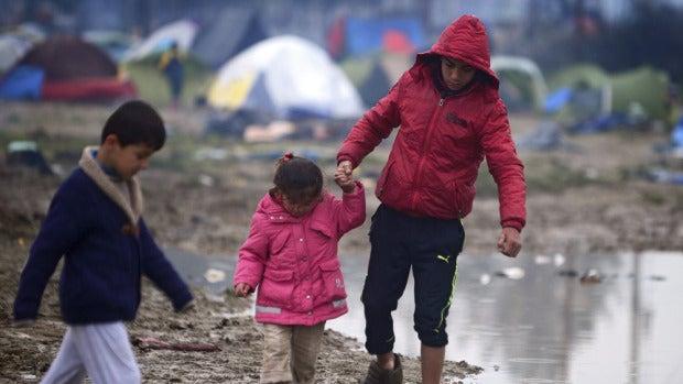 """Catie Athersuch, portavoz de MSF: """"Hay un vacío de información sobre el lugar al que trasladan a los refugiados de Idomeni"""""""