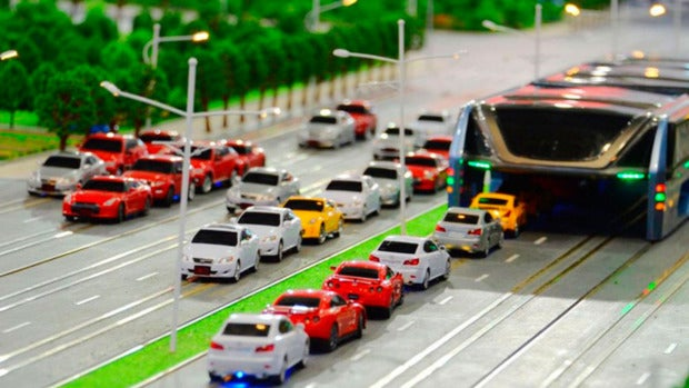 La Era Digital: El autobús que sobrevolará los atascos