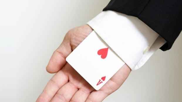 Guardarse un as en la manga / Keep an ace up the sleeve