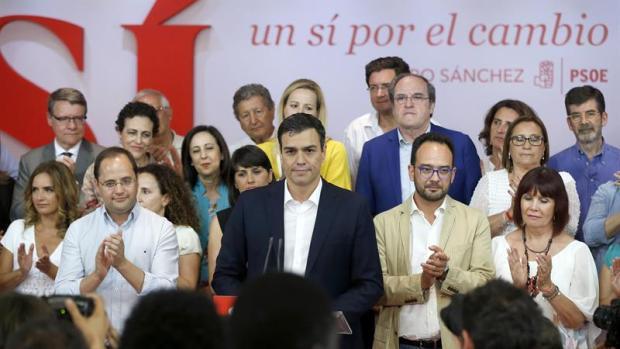"""Pedro Sánchez: """"No estoy satisfecho, pero somos la primera fuerza de izquierda"""""""
