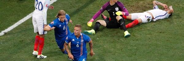 Sigurdsson celebra su gol ante Inglaterra