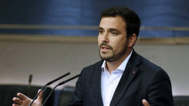Alberto Garzón invita al PSOE a explorar otras vías