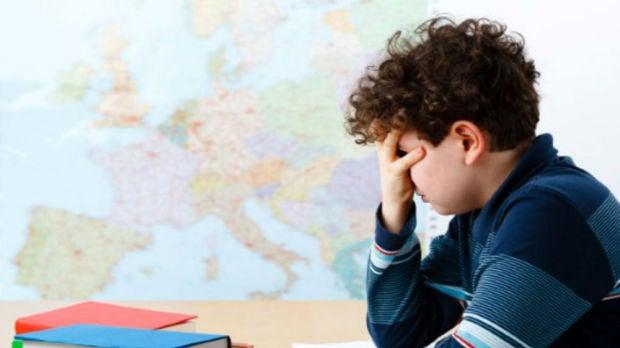 Universidad de padres: ¿Es bueno premiar y castigar a los niños por las notas?