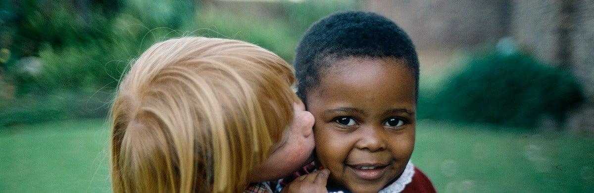 Ajenos al racismo - Contraparte