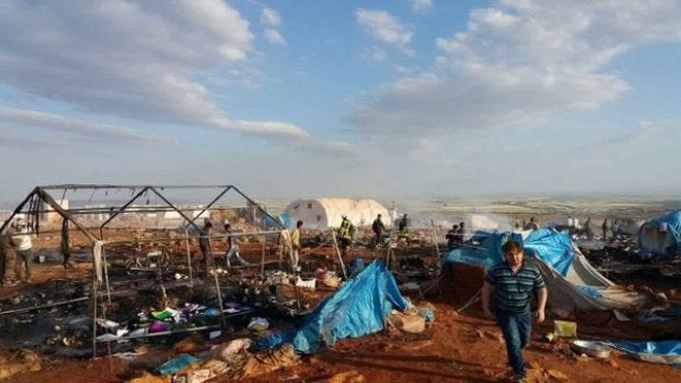 Imagen del campamento de refugiados bombardeado