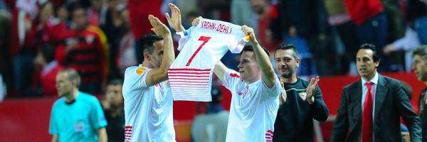 Gameiro dedica uno de sus goles a Krohn-Dehli, gravemente lesionado en el partido de ida