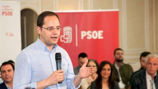 """El PSOE pide a Rajoy que debata """"cara a cara"""" con Sánchez en campaña"""