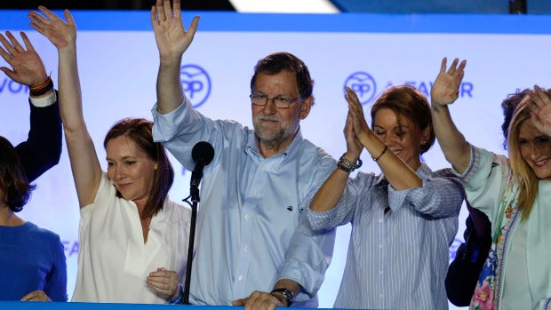 Rajoy en el balcón de la calle Génova