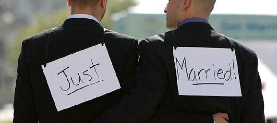 60% de los homosexuales europeos tienen pudor a darse la mano en púbbico