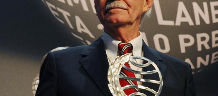 Eduardo Mendoza, ganador del Premio Planeta 2010