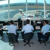 Controladores, desde su puesto de trabajo
