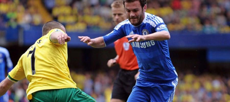 Juan Mata en su debut con el Chelsea