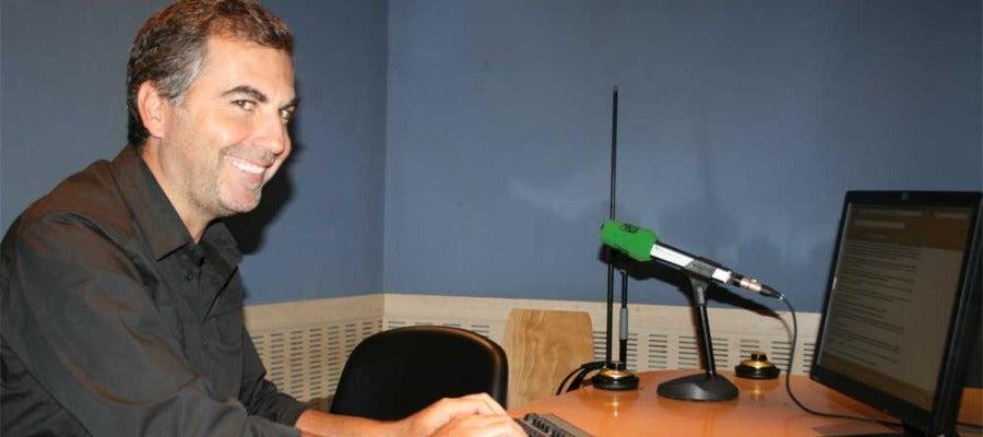 Carlos Alsina respondiendo a las preguntas de los oyentes