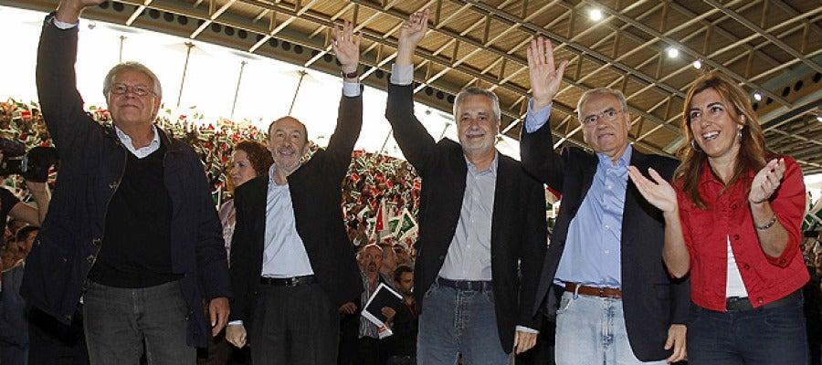 Rubalcaba, con González y Guerra en Dos Hermanas (Sevilla)