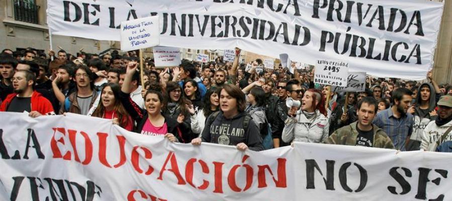 Manifestación de estudiantes universitarios contra los recortes