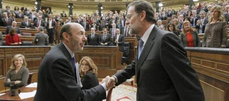 Rubalcaba y Rajoy tras el debate de investidura