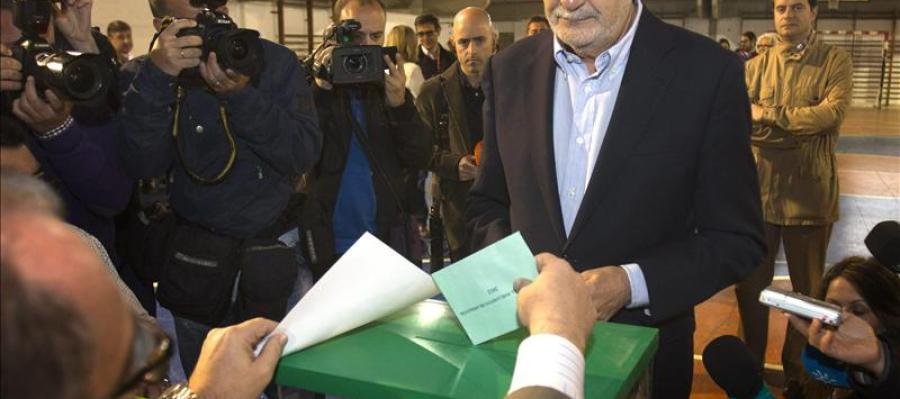 Griñán acude a votar