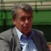 Manolo Santana, en la entrevista con Javier Gallego