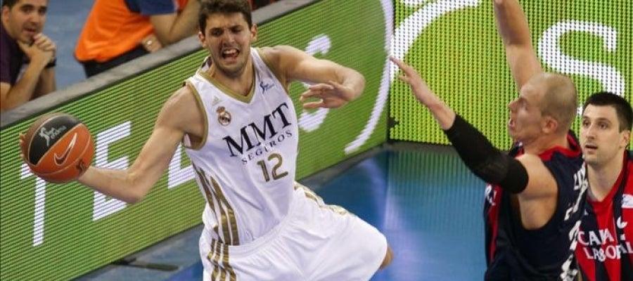 El ala-pívot del Real Madrid Nikola Mirotic
