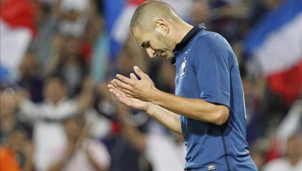 Benzema en un encuentro con Francia