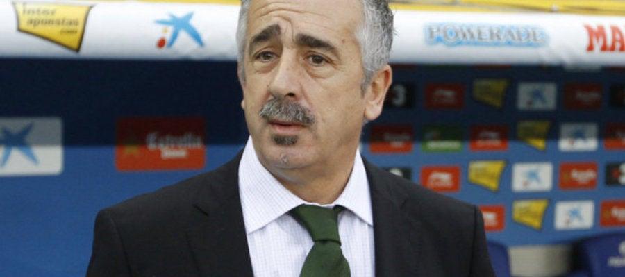 El entrenador Manolo Preciado