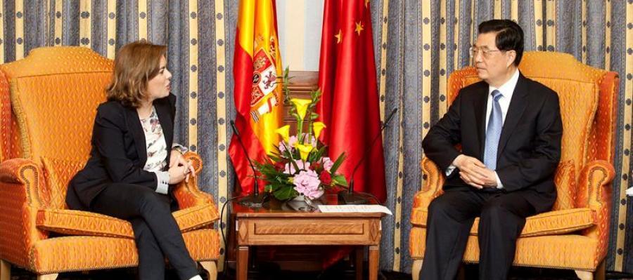 Hu Jintao reunido con Saenz de Santamaria
