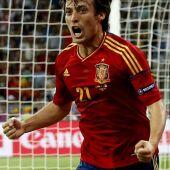 David Silva celebra el gol marcado ante Italia