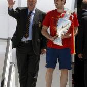 Casillas y Vicente del Bosque con la Copa