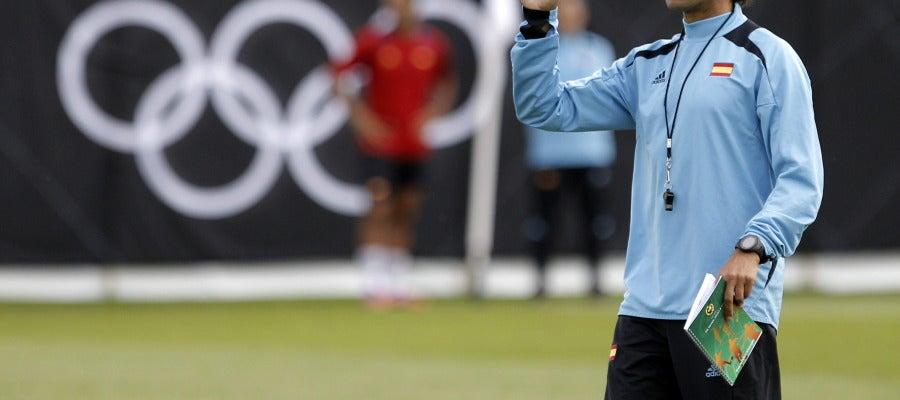 Luis Milla en el último entrenamiento antes del debut de la Selección Española de fútbol