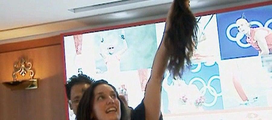 Andrea Fuentes muestra su melena