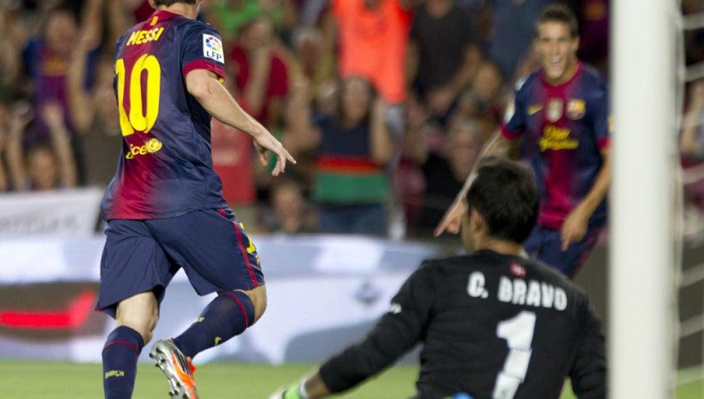 Leo Messi celebra uno de sus goles ante Bravo