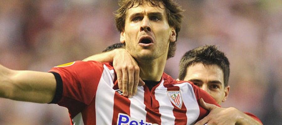 Fernando Llorente celebra un gol con el Athletic