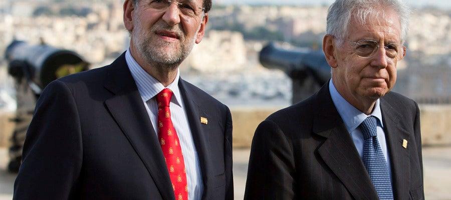 El presidente del gobierno español, Mariano Rajoy, y el primer ministro italiano, Mario Monti
