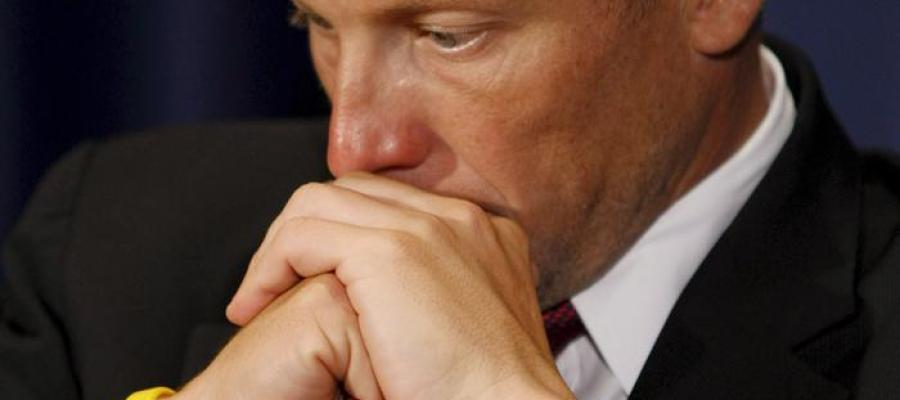 Lance Armstrong pasa sus momentos más difíciles