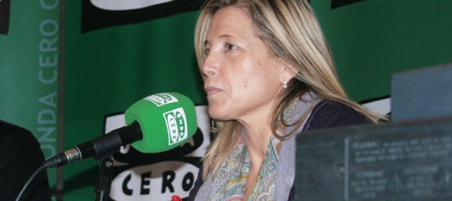 Joana Ortega a punt de contestar a les preguntes de 'El Candidat'