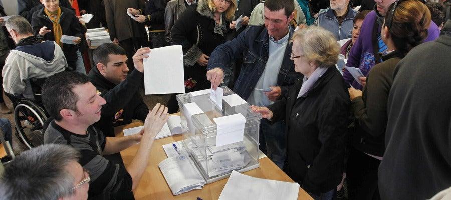Cinco millones de catalanes, llamados a las urnas