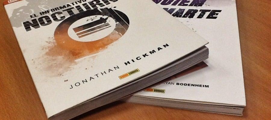 Las portadas de los cómics ya dan una muestra del gusto de Hickman por el diseño gráfico.